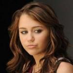 A Miley Cyrus piace fumare erba
