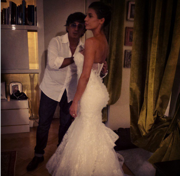 Elisabetta Canalis mette all'asta il vestito da sposa