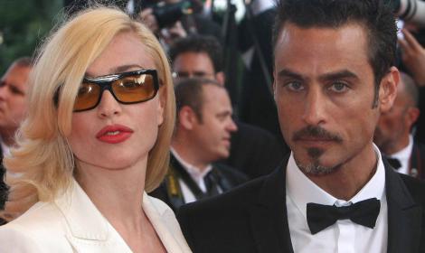 La Barale ripudia l'ex marito Gianni Sperti