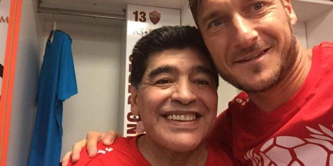 Maradona elogia Totti su Facebook